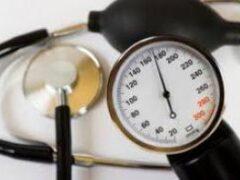 В старшем возрасте просто необходим контроль за кровяным давлением